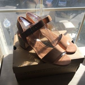 NWT never worn nude Toms sandals